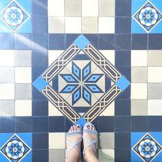 #selfeet#floorcore#floorsilove#fromwhereistand#lookdown#nicekicks#amazingfloorsandwanderingfeet#floor#floorselfie#floorsilove#ihavethisthingwithtiles#ihavethisthingwithfloors#ihaveathingwithfloors#lookyfeets#lookingdown#pattern#shoeselfie#tiles#tilephile#tileaddiction#tile#Vietnam#sandals#viewfromthetop#shoesonthefloor#ririfeettiles#tiletuesday#footfloors#floorsthatilove#足元タイル部#タイル by riri_tiles
