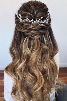Best Wedding Hairstyles For Long Hair 2020 ★ wedding hairstyles for long hair soft waves on long hair with swept half up half down and wedding halo caraclyne.bridal hair 2020 Essential Guide to Wedding Hairstyles For Long Hair Wedding Hairstyles Half Up Half Down, Wedding Hairstyles For Long Hair, Wedding Hair And Makeup, Bridal Hair Half Up Medium, Bridal Half Up Half Down, Long Bridal Hair, Hairstyle Wedding, Updo Hairstyle, Hairstyle Ideas