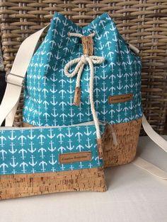 This backpack is a multi-talent :)) It has 3 different wearing options: Sc… - 2019 - Bag Diy- Dieser Rucksack ist ein Multitalent :)) Er hat 3 verschiedene Tragevarianten: Sc… – 2019 – Bag Diy This backpack is a multi-talent :]] It has 3 … - Diy Backpack, Diy Tote Bag, Mochila Tutorial, Potli Bags, Patchwork Bags, Fabric Bags, Handmade Bags, Small Bags, Bag Making