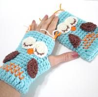 Sleepy owl gloves - links to purchase site for $3 pattern but no instructions for owl design - use as an inspiration DIY only