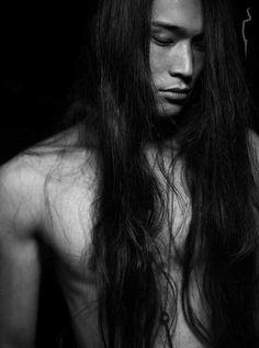 lange haare modelle - 25 lange frisuren männer 2019 - Amerikanische Indianer heute - American Indians of today - Haar Design Asian Men Long Hair, Sexy Asian Men, Sexy Men, Sexy Guys, Asian Guys, Native American Actors, Native American Beauty, Martin Sensmeier, Asian Men Hairstyle