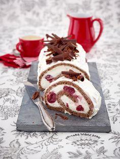 Kuchen, Muffin, TarteDer Lieblingskuchen der Deutschen? Die Schwarzwälder Kirschtorte - geschichtet als Türmchen oder gewickelt als Rolle.