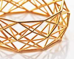 "Materialise - Brass Bracelet (gold plated) ""Constructionist"" by designer Maaike van der Horn 3d Printing Materials, 3d Printed Jewelry, Geometric Jewelry, 3d Printing Service, Jewelry Model, Jewelry Sketch, 3d Prints, Schmuck Design, Jewelry Design"