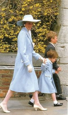 4/19/1987: Easter service at St. George's Chapel, with Diana, Princess of Wales & Peter Phillips (Windsor, Berkshire)