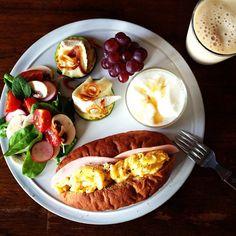Banana and Peach Smoothie. Breakfast Menu, Easy Healthy Breakfast, Breakfast Recipes, Healthy Eating Recipes, Cooking Recipes, Good Food, Yummy Food, Morning Food, Food Menu