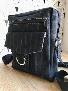 Pochette Jive en tissu à rayures fines cousue par Karine - Patron Sacôtin