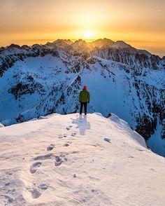 Epic sunrise view from Kriváň 🌄🏔 Awesome photo by @kicklop #ThisIsSlovakia 🇸🇰 Follow us on Facebook, link in BIO 👥  #sLOVEnsko #Slovakia #slovak #VisitSlovakia #pieniny #vysoketatry #hightatras #kosice #bratislava #ig_slovakia #vsco #vscocom #mountains #travel #adventure #ig_europe #wonderful_places #discoverearth #sunset #krivan #sunrise