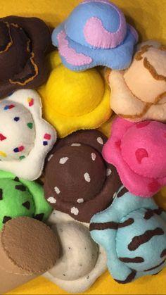Dramatic Play fun: Just One More Felt ice cream for any season! Felt Diy, Felt Crafts, Crafts To Make, Sewing For Kids, Diy For Kids, Crafts For Kids, Comida Diy, Felt Food Patterns, Felt Fruit