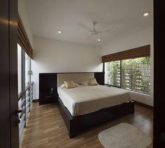 Gallery of Layered House / KWA Architects - 11