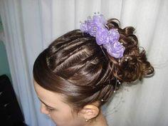 32 Penteados para Dama de Honra Encantadores