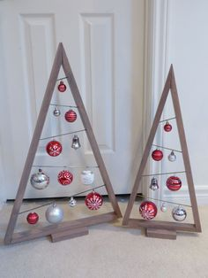 27 Rustic Stained A-frame Christmas Tree Ornament Display / Ornament Hanger 3 – Home Decoration Pallet Christmas Tree, Christmas Wood Crafts, Noel Christmas, Homemade Christmas, Christmas Projects, Christmas Tree Ornaments, Holiday Crafts, Ornament Tree, Classic Christmas Decorations