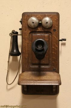 Image detail for -Monarch Chicago Oak Antique 1900 Wall Telephone from harpgallery on . Telephone Vintage, Vintage Phones, Objets Antiques, Antique Phone, Old Candy, Old Phone, Primitive Crafts, Vintage Antiques, Old Things