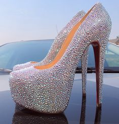 Christian Louboutin GENUINE Swarovski crystals encrusted diamond platform pumps- I WISH! Zapatos Bling Bling, Bling Shoes, Sparkle Shoes, Glitter Shoes, High Hells, Crazy Shoes, Me Too Shoes, Stilettos, Plateau Pumps