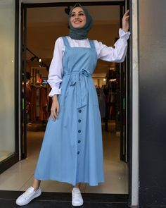 <img> The image may contain: one person or more and people standing, - Hijab Style Dress, Modest Fashion Hijab, Modern Hijab Fashion, Hijab Fashion Inspiration, Islamic Fashion, Abaya Fashion, Muslim Fashion, Skirt Fashion, Fashion Dresses