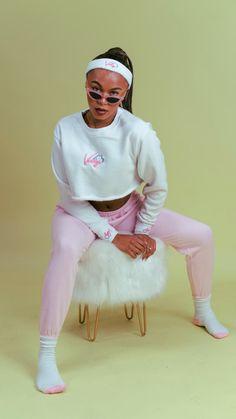 White Jeans, Street Wear, Crew Neck, Pants, Fashion, Trouser Pants, Moda, Fashion Styles, Streetwear