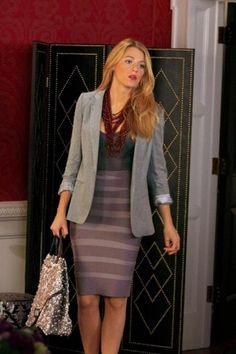 Blake Lively siempre con outfits increíbles, aquí con un estilo perfecto para ir a la oficina