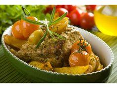 Mięso  natrzyj olejem,  przyprawami z opakowania Fix Knorr oraz majerankiem. Następnie mięso prze...