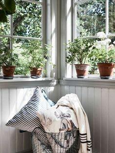 Swedish Cottage, Swedish House, Cozy Cottage, Love Your Home, My Dream Home, Three Season Room, Cottage Plan, Interior Decorating, Interior Design