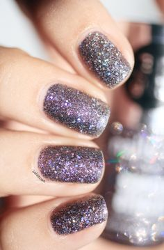 Nails Inc. 3D Glitter / / The cracking effect disco ball