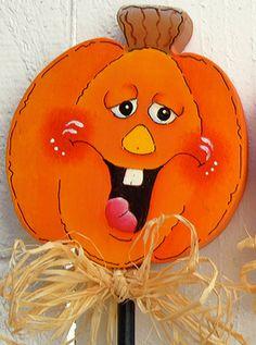 Halloween Painting, Halloween Pumpkins, Halloween Crafts, Halloween Decorations, Holiday Wood Crafts, Diy Crafts To Do, Fall Crafts, Holiday Decor, Halloween Train