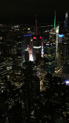 New York Discover Empire State Building Aesthetic Movies, Night Aesthetic, City Aesthetic, Aesthetic Videos, Travel Aesthetic, Aesthetic Vintage, Aesthetic Girl, New York Wallpaper, City Wallpaper