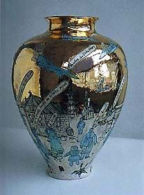 For Rumail - you could make a clay urn and paint your story/characters onto it in the style of modern artist Grayson Perry Ceramic Pottery, Ceramic Art, Pottery Art, Grayson Perry Art, Hunters In The Snow, Keramik Vase, English Artists, China Art, Contemporary Artists