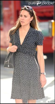 Kate Middleton in casual black Kate Middleton Outfits, Middleton Family, Kate Middleton Style, Pippa Middleton, Princesse Kate Middleton, Kate And Pippa, Princesa Kate, Prince William And Catherine, Before Wedding
