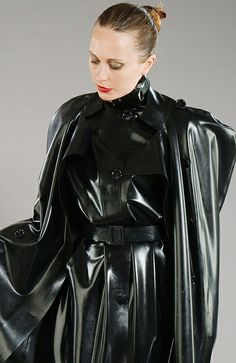 Black Rubber Raincoat & Cape - Simply Stunning. I am wet!