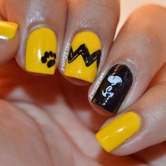 13 Fun & Spooky Halloween Nail Art Ideas to Get You in the Mood (PHOTOS)| 'Peanuts' Halloween Nails