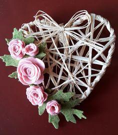 Il mio nido creativo: cuore con rafia