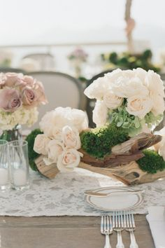 lovely driftwood centerpieces...