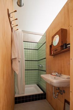 Nice sink and colour tiles - Brutopia by Stekke+Fraas architects Bathroom Spa, Bathroom Colors, Small Bathroom, Washroom, Plywood Walls, Plywood Board, Apartment Complexes, Closet Space, House Prices