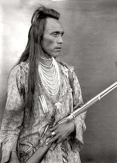 Nicoli (Pix-on-che-la-hoit). Salish. Flathead Indian Reservation in western Montana. Photo from 1905-1907 by Edward H. Boos. Source - Denver Public Library.