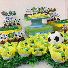 Festa Futebol com doces decorados Tacinha de brigadeiro-Copa do Mundo  Brigadeiros verde e amarelo- futebol ...