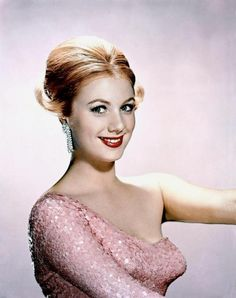 Shirley Jones http://jeanjeanie61.tumblr.com/post/19695513990/shirley-jones-http-www-zimbio-com