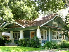 Craftsman circa 1920 | I love this shaded landscaping