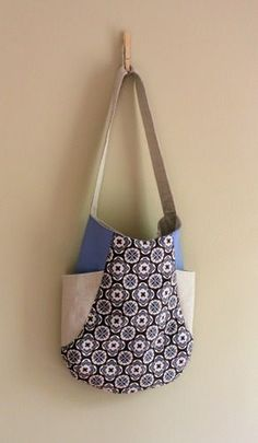 Gorgeous bag! The sewing pattern costs $8, but I'm sure I could figure it out…