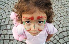 Fotograf Little Girl With Face Paint Looking Up  von Kuzeytac LSI auf 500px