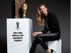 J'ai lu l'article Gisele Bündchen était fière d\'amener le trophée de la Coupe du Monde de football sur http://www.closermag.fr/people/people-anglo-saxons/gisele-bundchen-etait-fiere-d-amener-le-trophee-de-la-coupe-du-monde-de-foot-356690