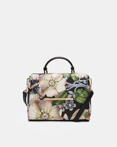 076b603b7e16 326 Best Bags images in 2019