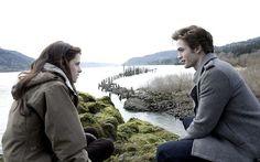Crepúsculo No primeiro filme como Edward Cullen, Robert vive um vampiro que se apaixona por uma humana pela primeira vez. Os dois acabam ficando juntos, mas é a partir daí que eles percebem que o romance não será nada fácil.