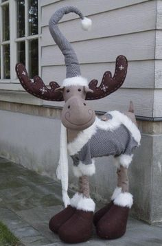 1 million+ Stunning Free Images to Use Anywhere Christmas Moose, Christmas Sewing, Primitive Christmas, Diy Snowman Decorations, Christmas Decorations, Christmas Ornaments, Moose Crafts, Theme Noel, Holidays And Events
