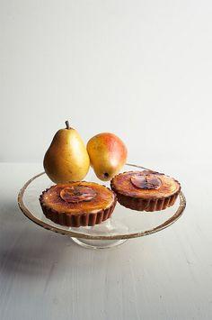 Pear Vanilla Bean Brûlée Tarts + Pear Crisp by alanabread, via Flickr