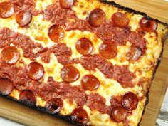 This is not everyday pizza. It's not every-week pizza. It might not even be every-month, if you want to live to a reasonable age. But damn, is it good pizza. So good that it's worth a trip to Detroit just to taste it. So good that it's worth devoting mont Detroit Style Pizza Recipe, Detroit Pizza, Detroit Art, Detroit Michigan, Pizza Recipes, Paleo Recipes, Dinner Recipes, Cooking Recipes, Pizza