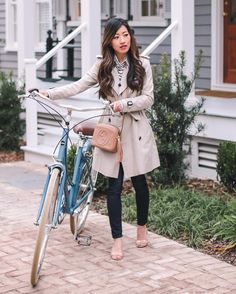 "5,490 curtidas, 64 comentários - Jean Wang | Extra Petite Blog (@extrapetite) no Instagram: ""This classic trench is one of my most-worn pieces for 6 years and counting! Burberry's trench coat…"""