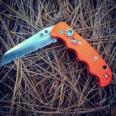The Sypderco Autonomy Orange C165GSOR. With a 3.70 inch fully serrated,  #assisted #autonomy #buttonwithsafety #c165gsor #fullyserrated #opening #orange #sypderco #sypdercoknives
