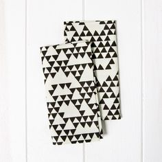 set of two napkins   triangles