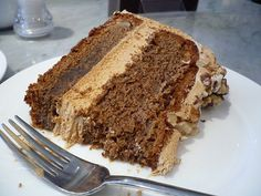 Coffee cake: one of 6 British Food with Misleading Names Brownie Recipes, Dessert Recipes, Desserts, Date And Walnut Cake, Death By Chocolate, Coffee Cake, No Bake Cake, Love Food, Sweet Treats