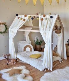 Hausbett in Creme & Gold bei Fantasyroom online kaufen Toddler Rooms, Baby Boy Rooms, Baby Bedroom, Baby Room Decor, Girls Bedroom, Kids Bedroom Designs, Baby Room Design, Kid Beds, Girl Room