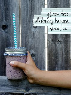 Gluten-Free blueberry, banana breakfast smoothie using Honey Nut Cheerios! Use cupcake liners and mason jars for an on-the-go-breakfast smoothies! Smoothies For Kids, Easy Smoothies, Fruit Smoothies, Cranberry Smoothie, Blueberry Banana Smoothie, Banana Breakfast, Breakfast Smoothies, Honey Nut Cheerios, Cheerios Cereal